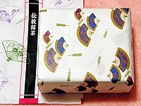 御祝・内祝の包装と手提げ袋