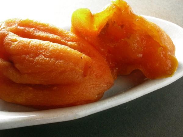 中は柔らか、外はふんわりの極甘のあんぽ柿の完成です。