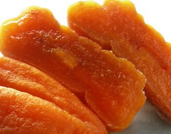 あんぽ柿を凍らせてシャーベットにした拡大写真です。