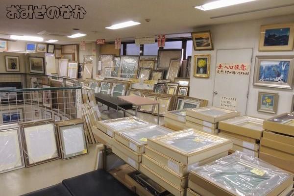店舗内部 油彩・デッサン額縁コーナー