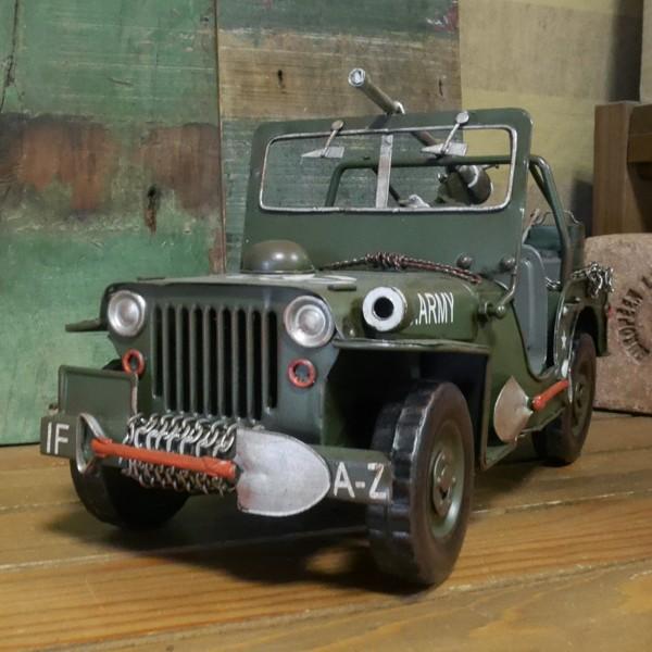 ブリキ製自動車