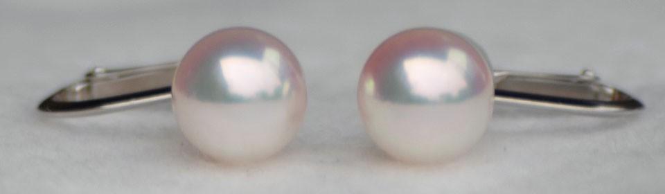 オーロラ天女 花珠 アコヤ真珠イヤリング(またはピアス) P10879 自然光撮影