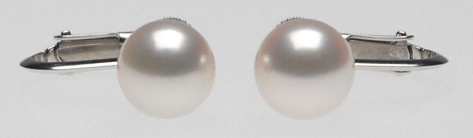 オーロラ花珠 アコヤ真珠イヤリング(またはピアス) S438220 アップ