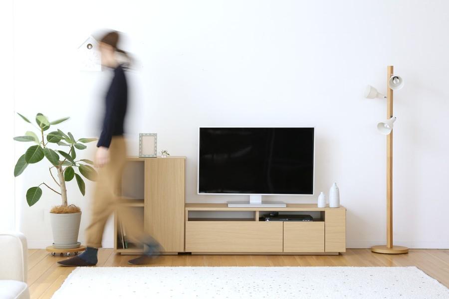 テレビまわりがスッキリ片付く!北欧テイストのTV台