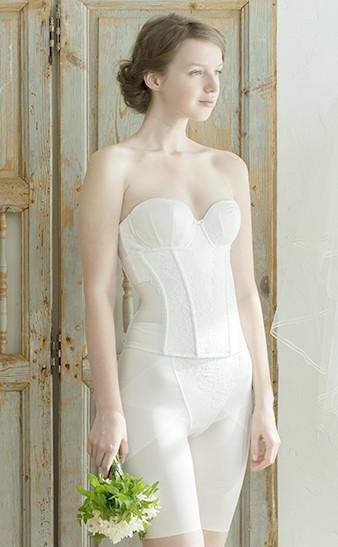 結婚式 ドレスインナー 大きい
