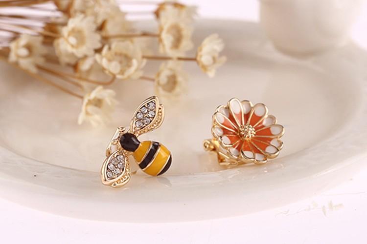 蜜蜂 フラワー ピアス イヤリング