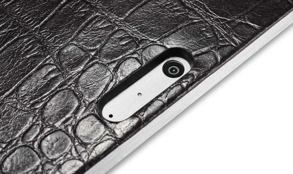 Microsoft SurfacePro4専用のクロコダイル柄レザーケースのカメラ穴