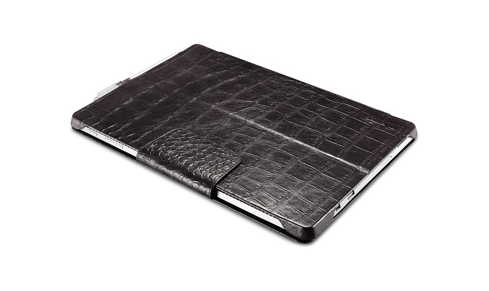 Microsoft SurfacePro4専用のクロコダイル柄レザーケースの表側