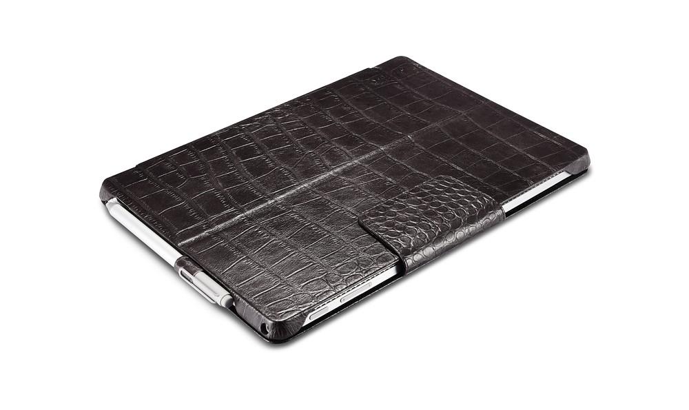 Microsoft SurfacePro4専用のクロコダイル柄レザーケースの表側2