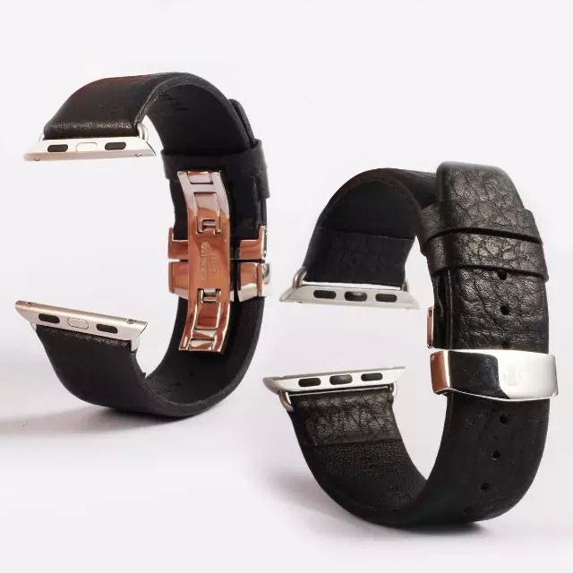 apple watch特徴的なバックルの本革バンド ベルト装着時の表側裏側デザイン