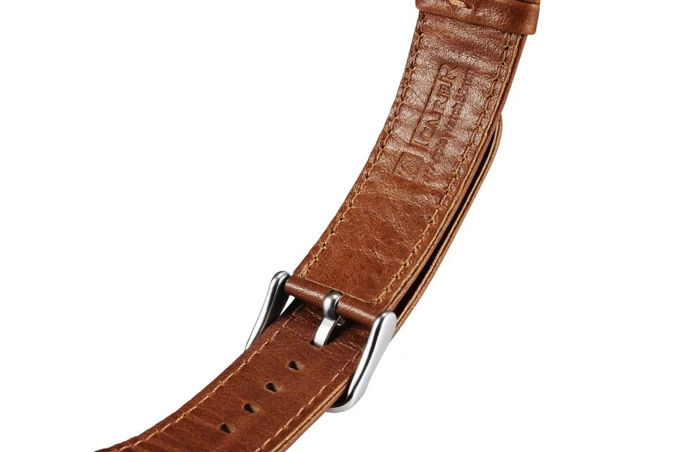 apple watch 高級本革ベルトの留め具裏側デザイン