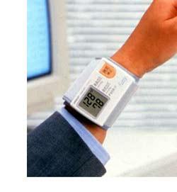 血圧計(手首式・上腕式)
