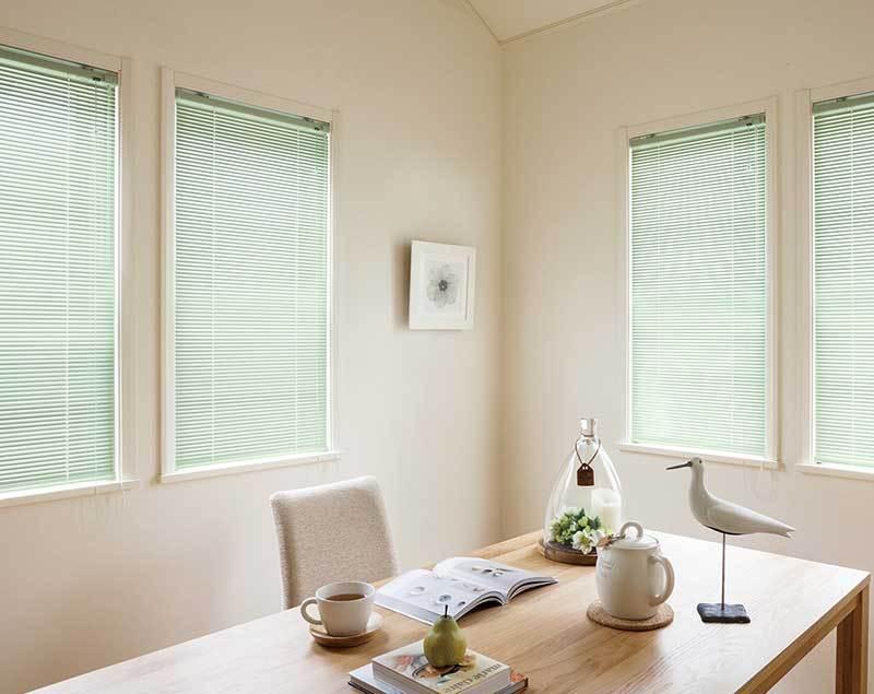 ユニーク リビング ダイニング 寝室 掃き出し窓 腰高窓 一般ブラインド