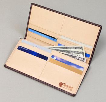 ブライドルレザー長財布使用イメージ