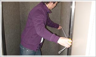 4.エレベーターがある場合のチェックポイント:エレベーター内の奥行きをチェック。