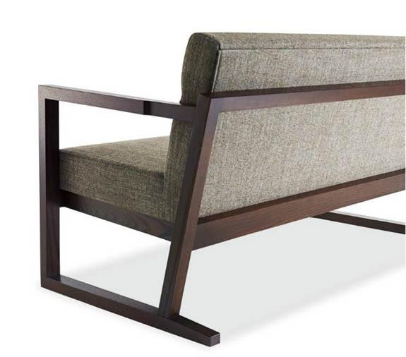 木材の趣と質感を楽しむソファ