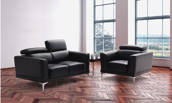 ヘットレスト部分を5段階で90度可動可能な天然皮革ブラックソファ