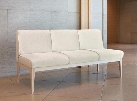 ソファー型ベンチ