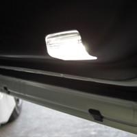 LEDカーテシーランプ