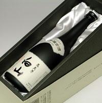 萬歳楽の代表銘柄 大吟醸古酒 白山