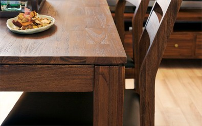 チーク無垢材の家具