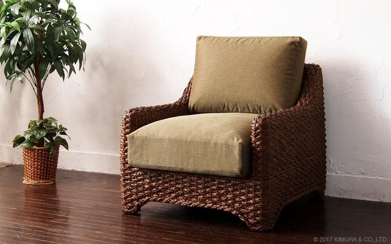 アジアン家具アクビィ。豊富なラインナップで、お部屋をアジアンリゾートスタイルにトータルコーディネイトできます。