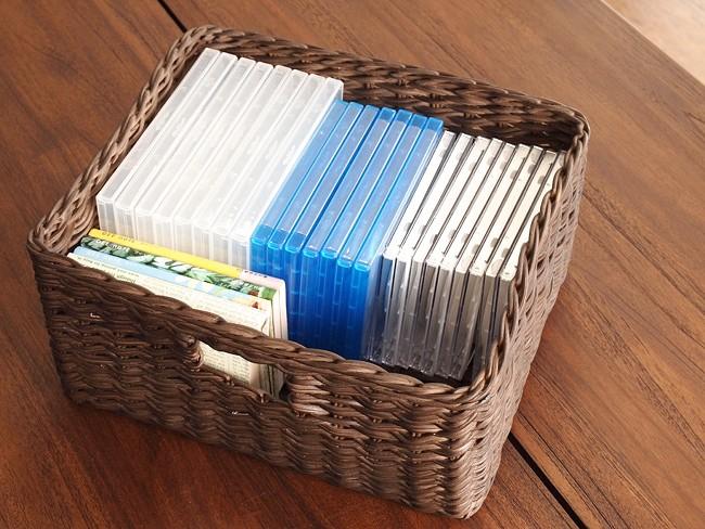 CDやDVD、文庫本や小物いれに最適なアクビィシリーズの収納バスケットです