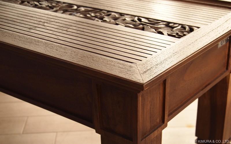 チーク無垢木製のナチュラルスタイルインテリアテーブル。使うほど味わい深く経年変化し、ヴィンテージでアンティークな趣に変化ししていきます。