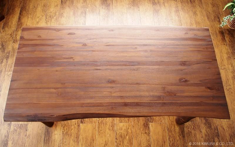 北欧、ミッドセンチュリー、モダン、ナチュラル、カントリー、アジアン、どんなお部屋にも合わせ易い落ち着いたデザインの机