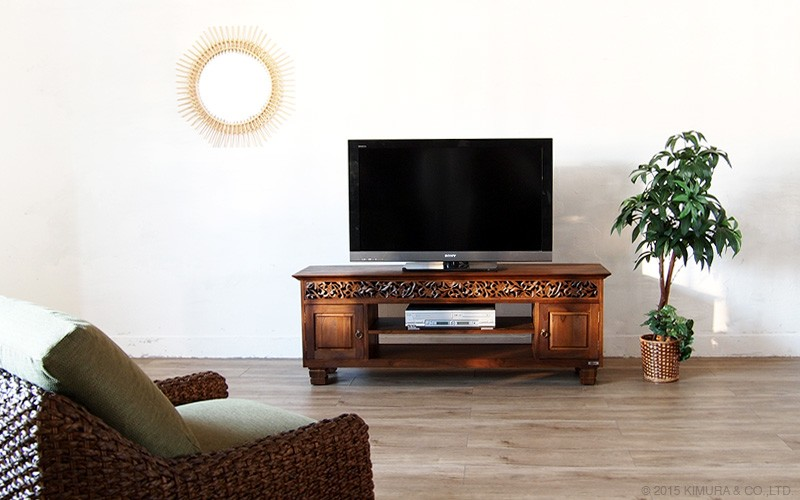 毎日のリビングをバリ島のリゾートな癒しのリラックス空間に。アジアン家具アクビィシリーズのおしゃれな高級感溢れるチーク無垢木製アジアンTVボード