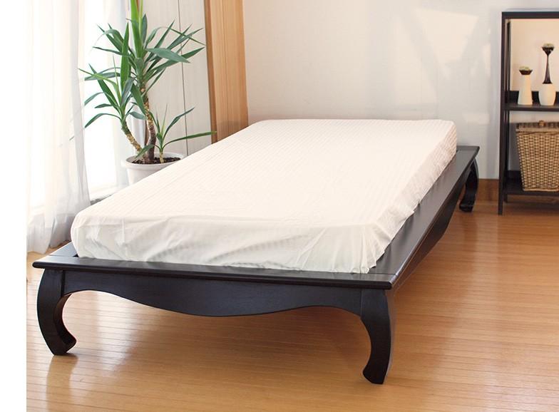 バリのリゾート風インテリアにピッタリの自然素材アジアンベッド