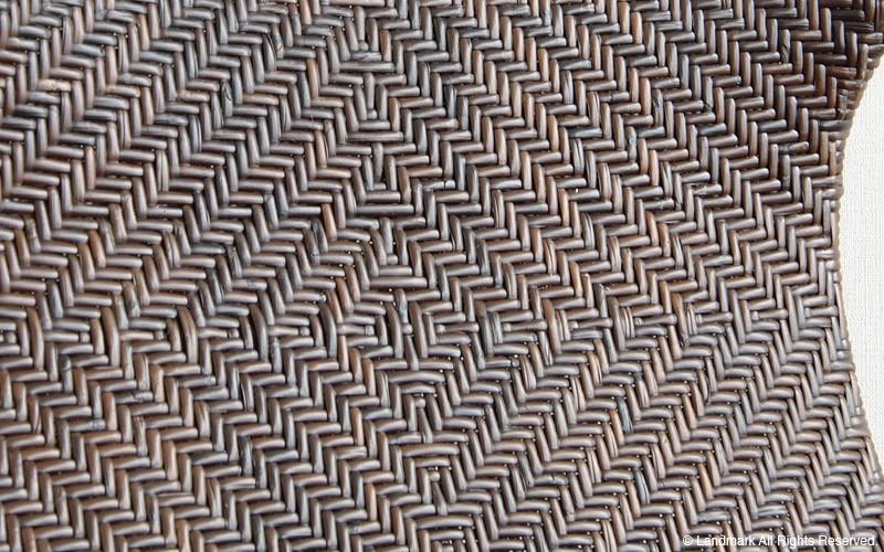 綺麗に編み込まれたラタン籐