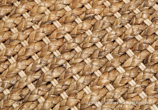 ウォーターヒヤシンスを編みこんで作ったエスニックでアジアンなインテリア