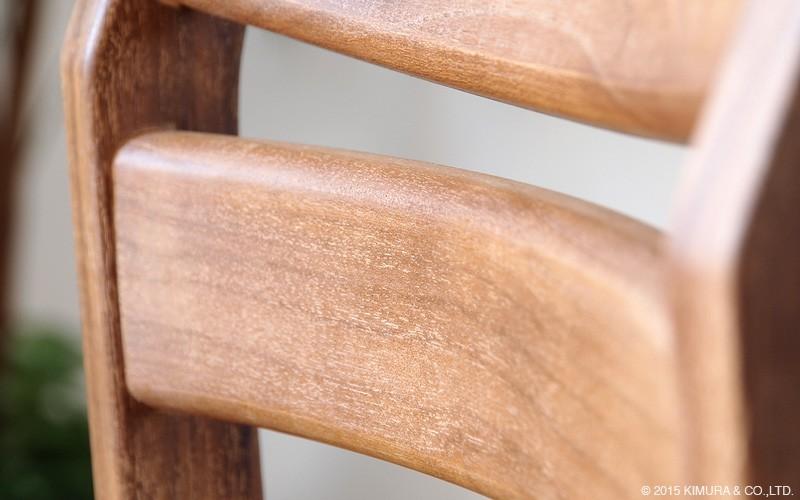 アジアンスタイルなお部屋にはもちろん、北欧、ミッドセンチュリー、モダン、ナチュラル、カントリー、アンティーク、ヴィンテージ、どんなお部屋にも合わせ易いデザインの椅子です。
