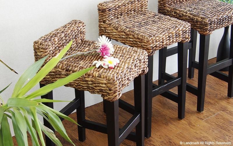 バナナの葉で作られたアジアン家具。ソファ、カウチ、センターテーブル、机、ダイニングセット、サイドテーブル等豊富なラインナップ