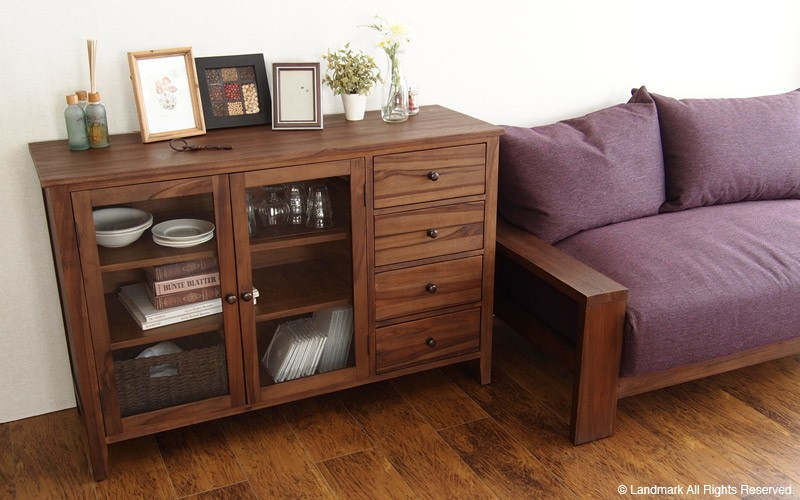 カフェ部屋インテリア 食器や本、雑誌、小物をおしゃれに収納出来ます。