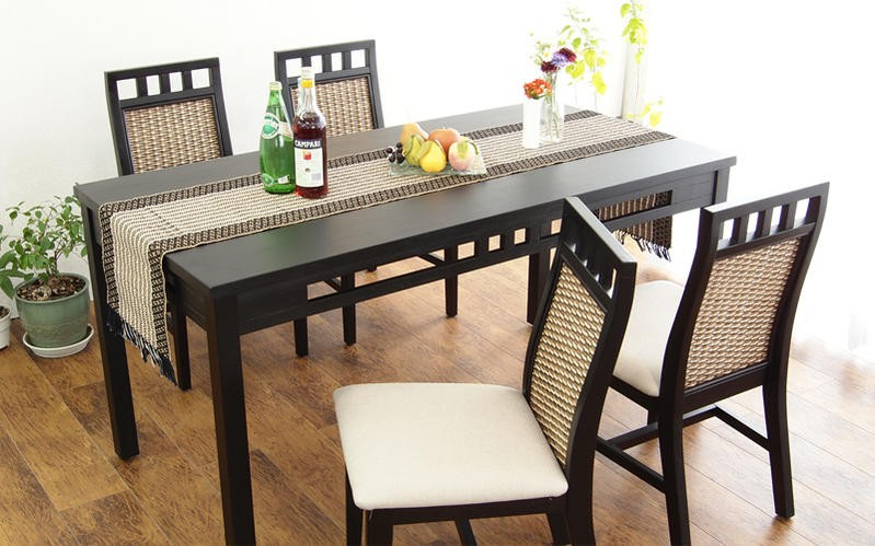 トリコロールラタンのおしゃれなアジアンダイニングテーブルセット