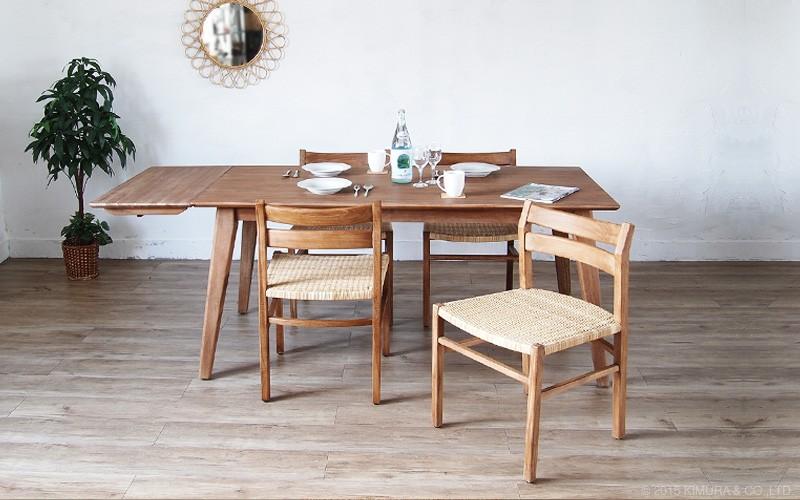 使使うほど味わい深く変化する経年変化をお楽しみいただけるチーク無垢木製の椅子。食卓のダイニングチェアとしておすすめ