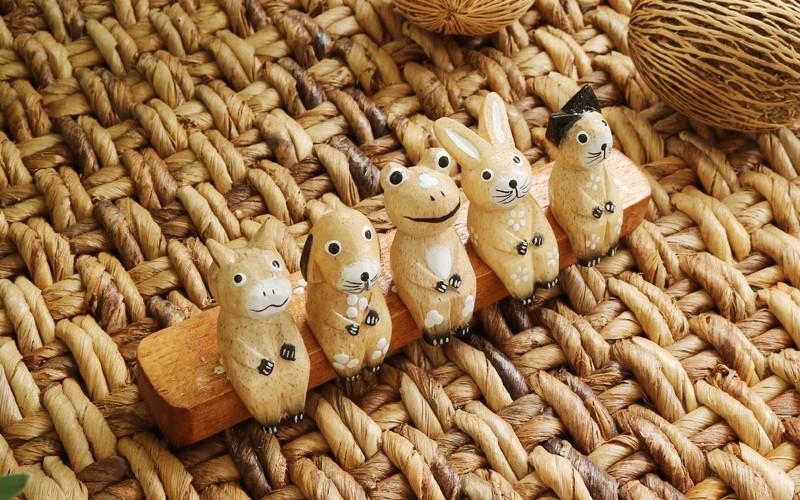 5匹の動物 木製オブジェ