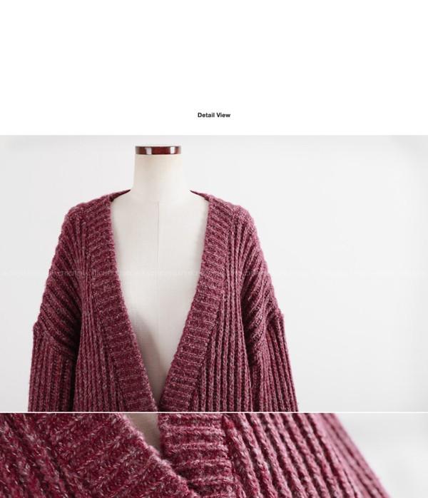 「la&nyの日々働く女性」のスタイルを中心としたリアルクローズな洋服を展開。