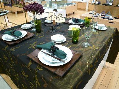 「華麗なるオールドノリタケの世界」2017年8月岩田屋テーブルセッティング2