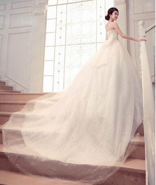 22d8ff4e3a3fe 花嫁ドレス ウエディングドレス 披露宴二次会 気質チューブトップ A ...
