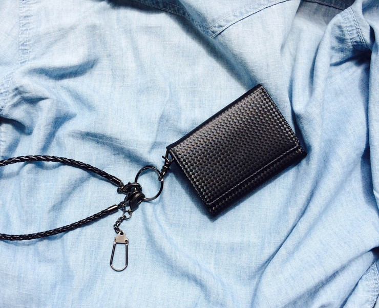 BECKER(ベッカー)極小財布 カーボンフィルムレザー キャッシュレスにBECKERミニ財布♪