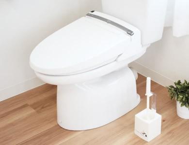 トイレブラシ使用イメージ