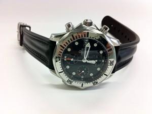 時計ベルトをモレラートのCAYMANに交換したオメガ シーマスター クロノグラフ