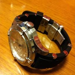 時計ベルトをモレラートのユーフラテに交換したBreitling SuperOcean SteelFish