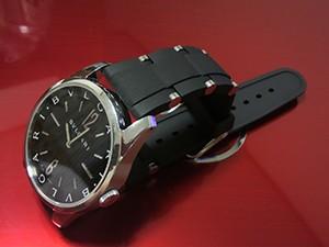 時計ベルトをモレラートのユーフラテに交換したブルガリソロテンポ