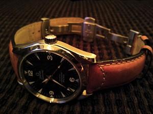 時計ベルトをモレラートのCEZANNEに交換したΩレイルマスター