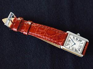 時計ベルトをモレラートのクラシコに交換したカルティエタンクソロ