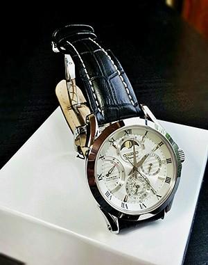 時計ベルトをモレラートのPLUSに交換したSEIKO Premier SRX003P1 ムーンフェイズ キネティック ダイレクトドライブ